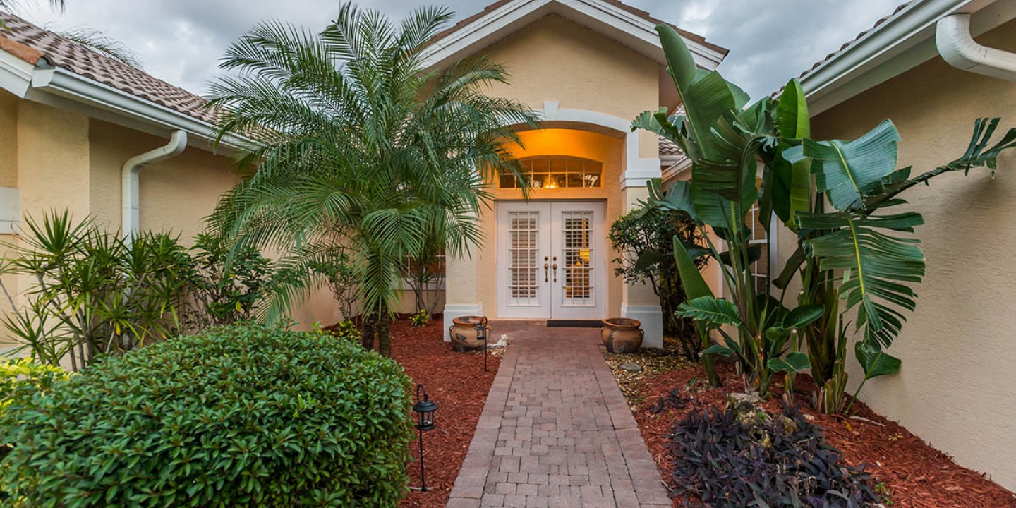 a1_front-entrance_the-palms_kodei-properties