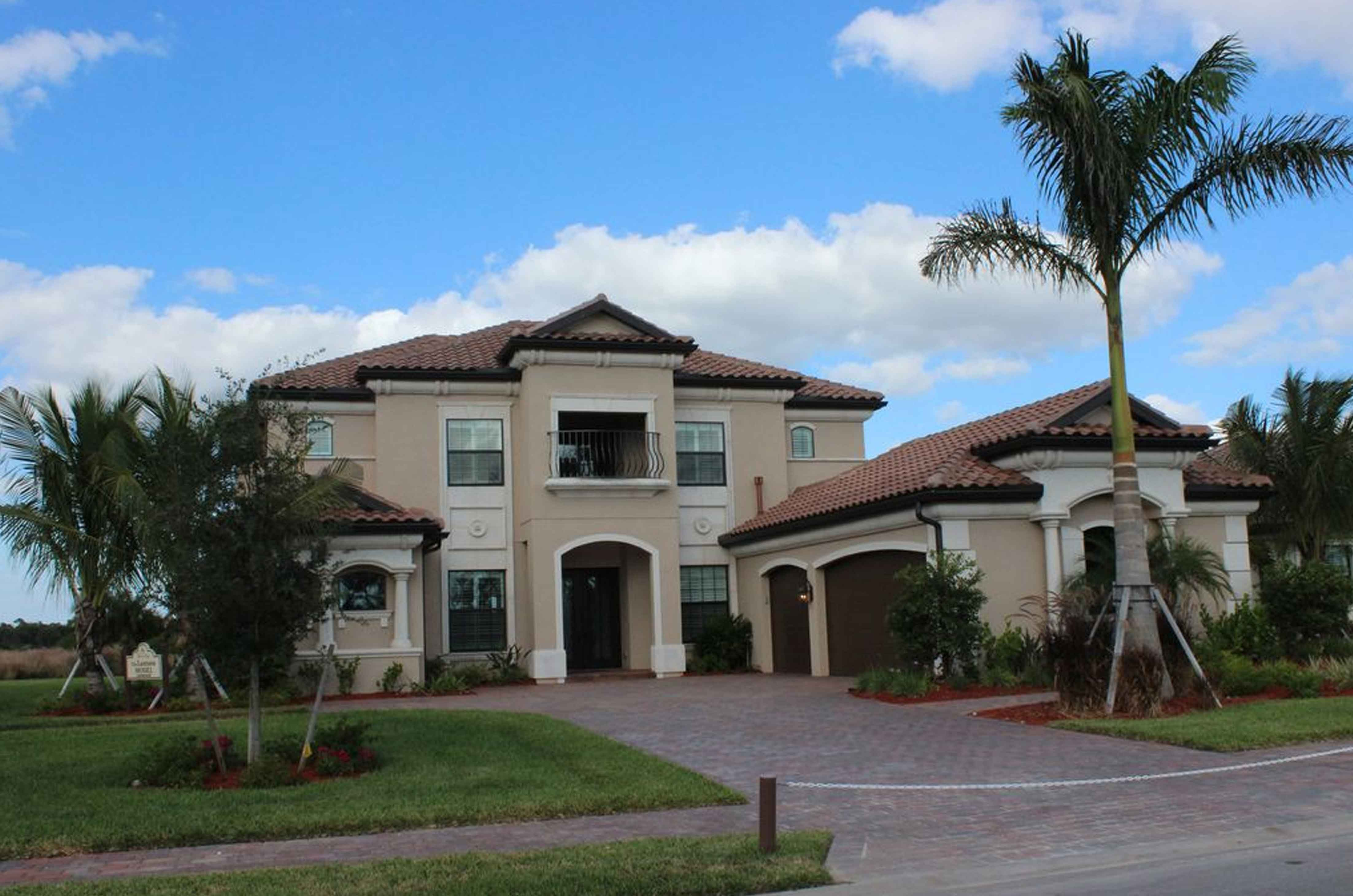 Luxury Vacation Rental Home in Naples, Fl
